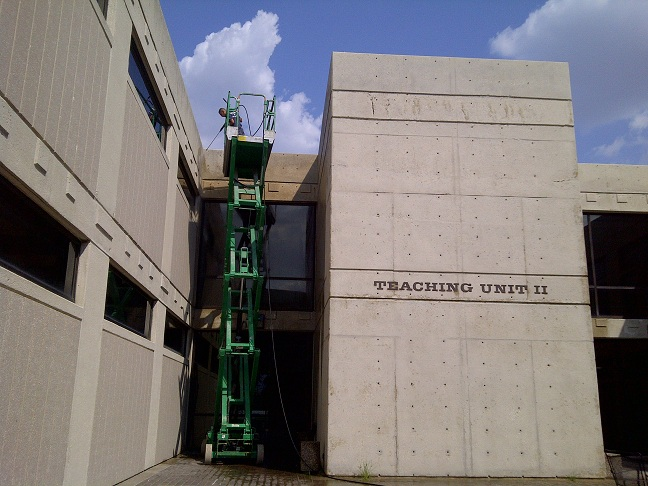 Multi-Story Building Pressure Washing